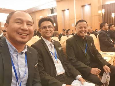 Cikgu Hailmi bergambar kenangan dengan dua pengetua hebat dari Kulim, Kedah