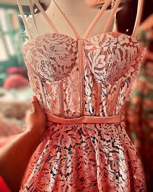 vestido longo rose rendado com corpete