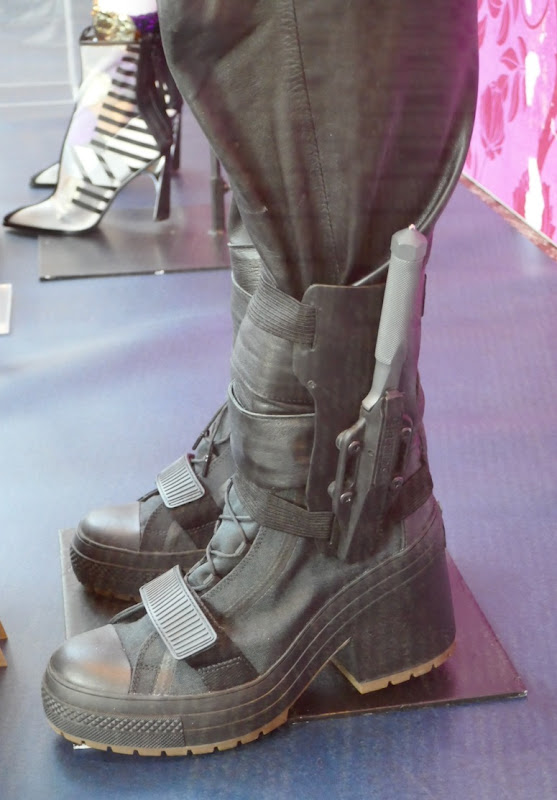 Huntress costume boots Birds of Prey movie
