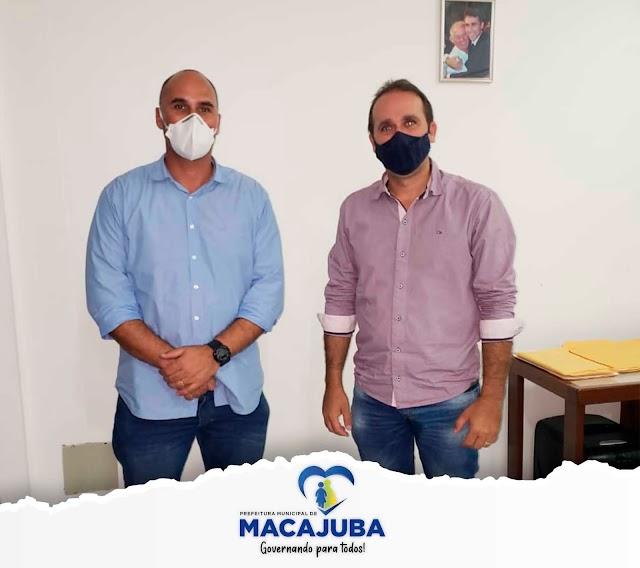 Prefeito Luciano de Noé recebe visita de novo Delegado que atuará em Macajuba