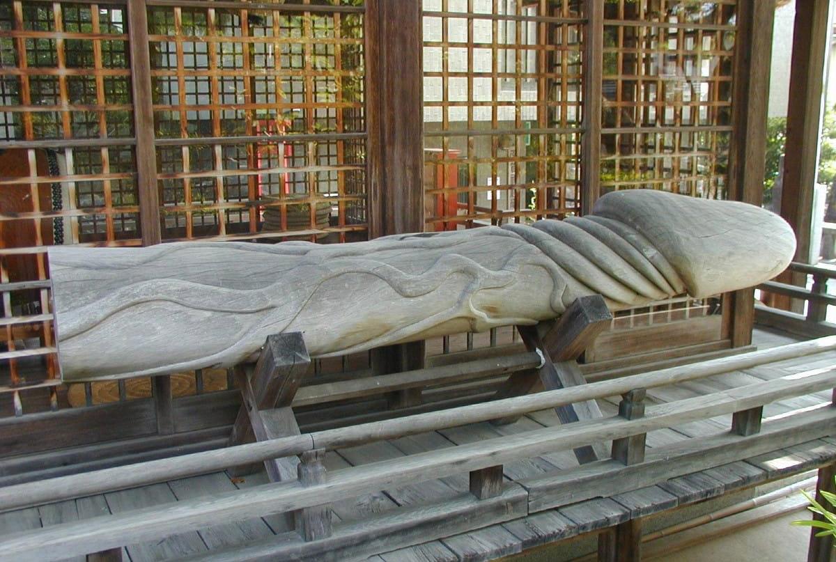 Inilah Beberapa Kuil Kesuburan di Jepang Yang Menarik Perhatian Turis