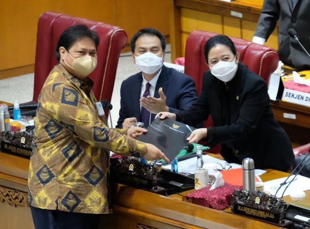 Walhi Nyatakan Mosi Tidak Percaya pada Jokowi dan DPR