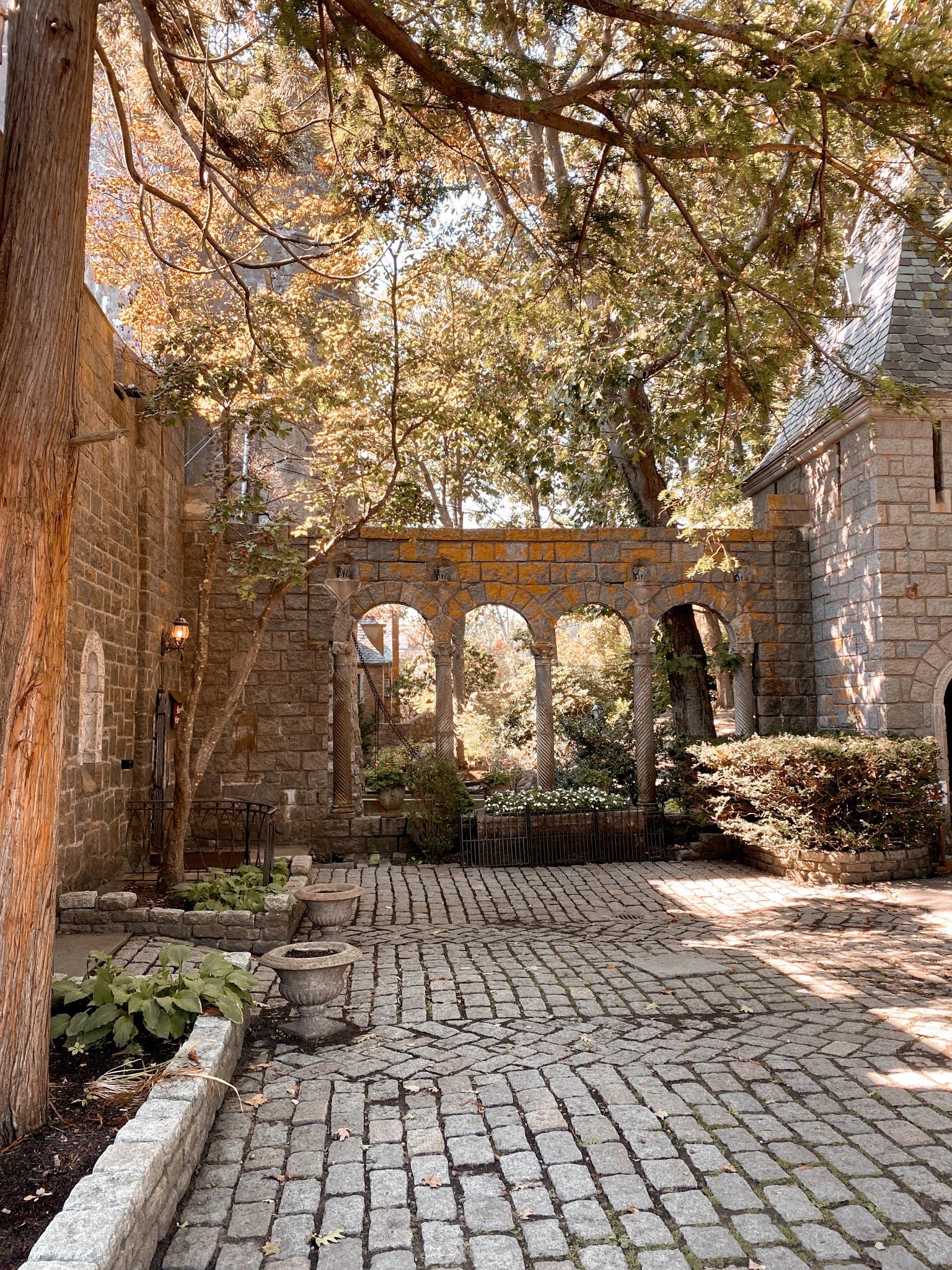 Hammond Castle in Gloucester, MA | biblio-style.com