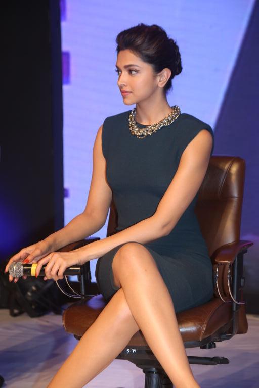 Deepika Ki Sexy Picture Video