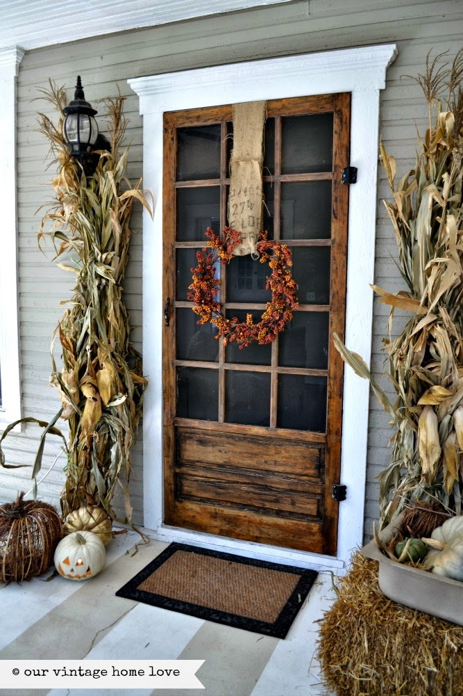 Ready for easy fall decor ideas?! 8 DIY Fall Decorating Inspiration. Easy and cheap fall decorating ideas. Dollar store decorating ideas.