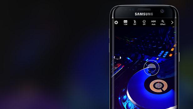 Aparentemente, toda aquela história que diz que a Samsung quer fazer com que o Galaxy S8 seja um aparelho revolucionário e com recursos suficientes para superar – com folga – o fiasco do Galaxy Note 7 pode estar próxima de se tornar realidade
