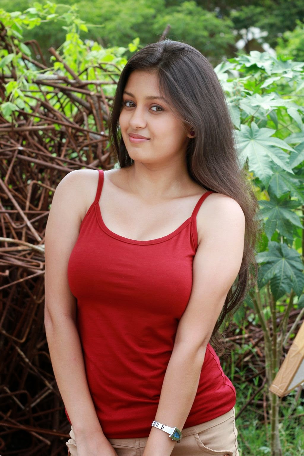Aavi Kumar Showcasing Her Sexy Curves In Her Latest Hot -7020