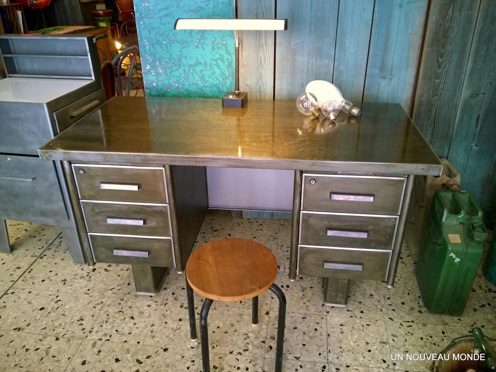 l 39 atelier de philippe bureau industriel strafor m tal. Black Bedroom Furniture Sets. Home Design Ideas
