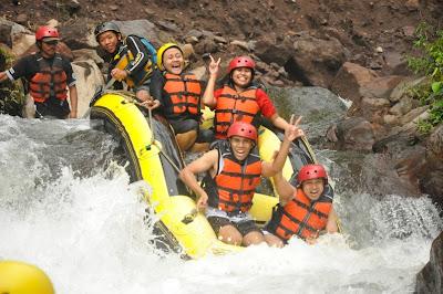rafting pacet, http://outboundmalangjatim.blogspot.com/, 085 755 059 965