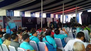 PD Pasar Terapkan E-Retribusi  Menggunakan QR Code Indonesian Standar  Di Pasar Gunung Sari