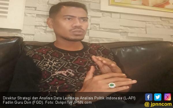 Kasihan, Orang di Lingkungan Istana Melemahkan Jokowi