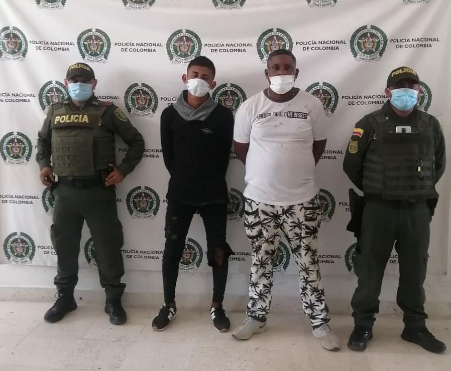 https://www.notasrosas.com/Con una granada de fragmentación, fueron capturadas dos personas en Riohacha