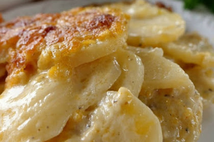 CHEESY GARLIC SCALLOPED POTATOES RECIPE
