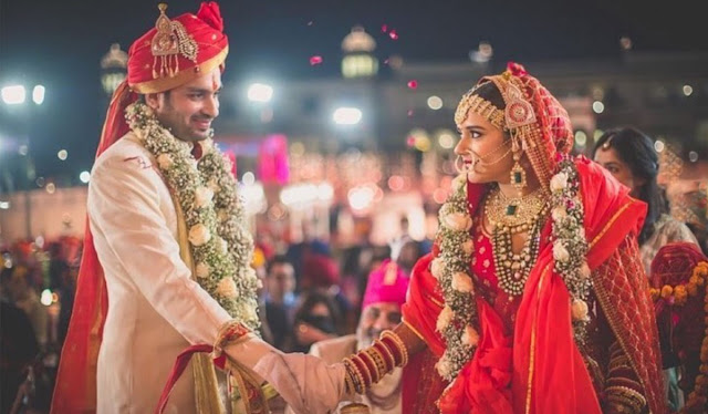 Top 10 Best Romantic Bollywood Songs for Couple Dance - बॉलीवुड कपल डांस सॉन्ग्स 2021