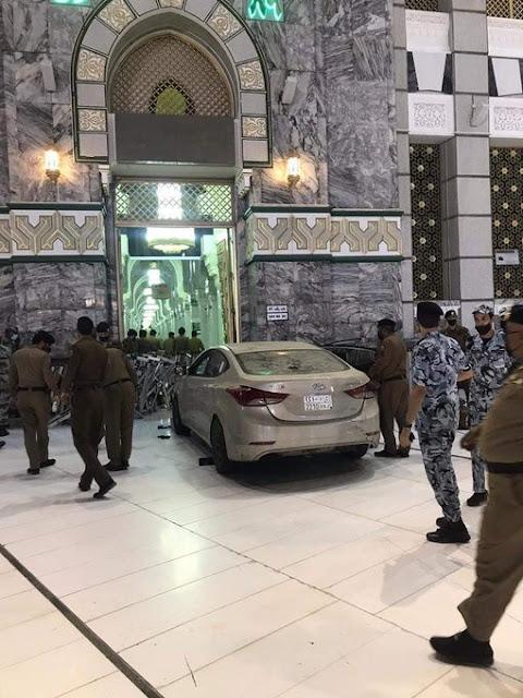 Ditabrak Mobil yang Melaju Kencang, Begini Kondisi Pintu Masjidil Haram