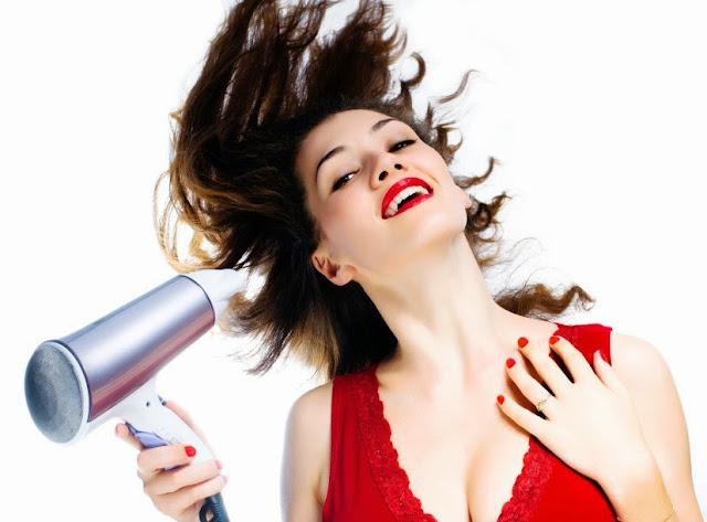 Skotinaola  6 χρήσεις για το πιστολάκι των μαλλιών σας 56ef03614b2