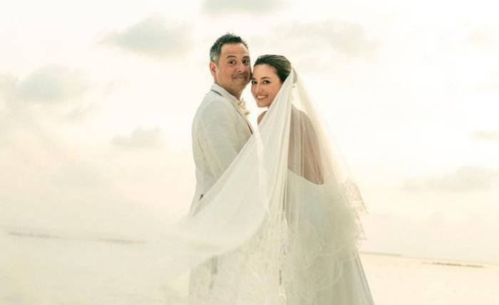 Foto pernikahan David Tjiptobiantoro dan Julie Estelle