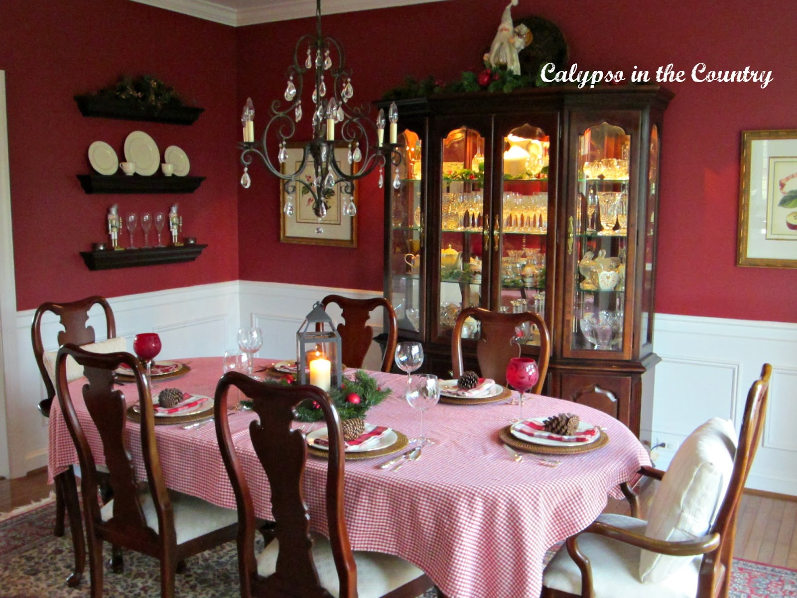 Red Dining Room for Christmas