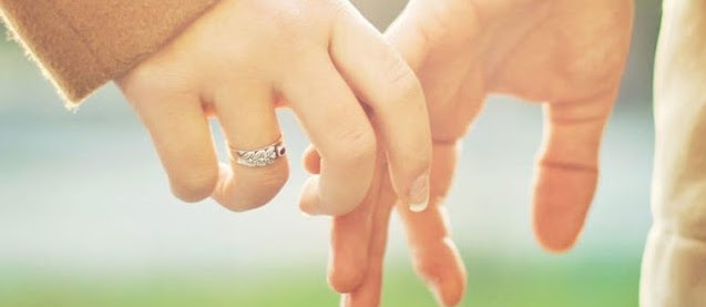 Hubungan Suami Istri Dalam Ajaran Islam: Mana Baiknya, Berpakaian Atau Dilepas Saja?