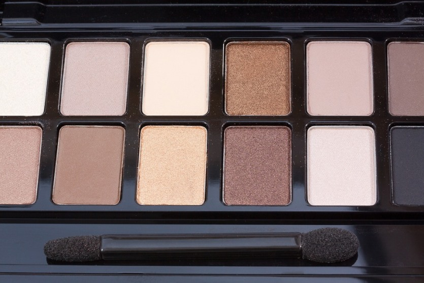 brown eyeshadow palette.jpeg