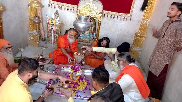 सनातन व जैन धर्म के बीच सेतु की भूमिका निभाते थे आचार्य ऋषभचंद्र सूरी महाराज | Sanatan va jain dharm ke bich setu ki bhumika nibhate the acharya rishabh chandr