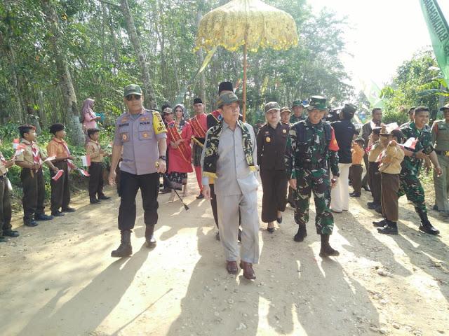 Dandim 0415/Batanghari : Suku Anak Dalam Dilibatkan Upacara Pembukaan TMMD ke-105 di Jambi
