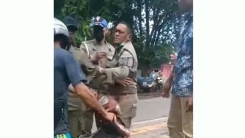 Viral Video Satpol PP Tampar Pedagang di Pinggir Jalan