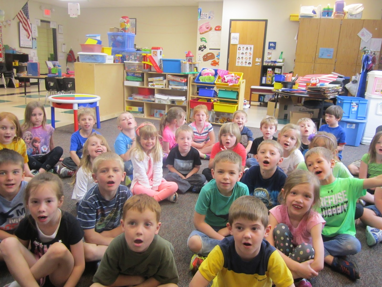 my experience in kindergarten My class is a typical kindergarten group, in that they are very active and learn best by doing they are a very talkative group and are in constant competition to share their ideas and to have their turn to participate.