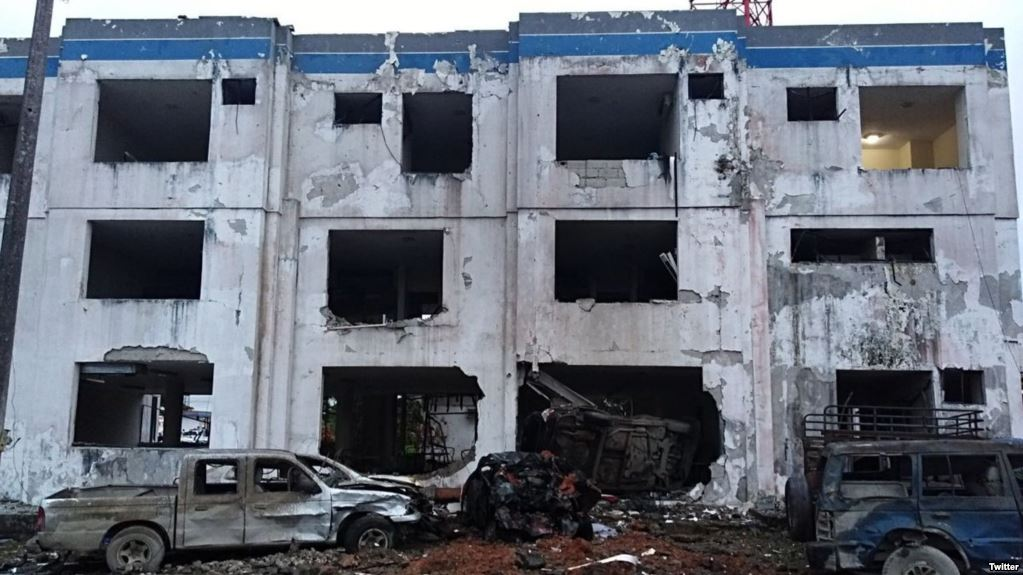 CÁRTELES MEXICANOS DESTRUYO CUARTEL de POLICÍA con COCHE BOMBA en ECUADOR