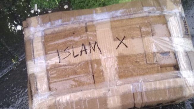 "Geger Penemuan Paket Mencurigakan Bertuliskan ""Islam X"" di Makassar"