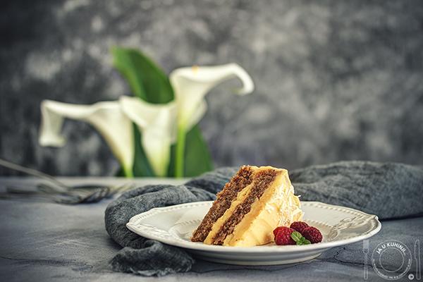 Torta od oraha i bele čokolade