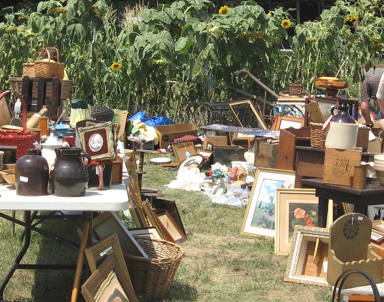 Route 11 Yard Crawl: Yard Sale Nirvana - Lovely Etc