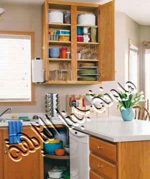 قطعة مطبخ تم فيها استغلال الركن الجانبى بتصميم مميز يمكنه من شغل العديد من الأوانى فى مساحة صغيرة.