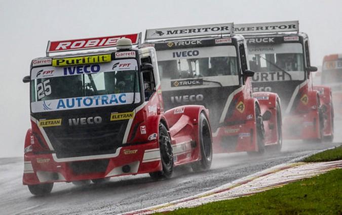IVECO na pista com cinco caminhões na etapa gaúcha da Copa Truck 2019