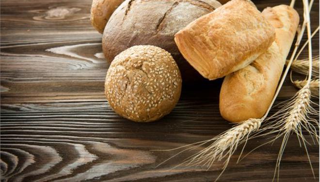 Λάρισα: Ψωμί για τρεις ημέρες λόγω του Αγίου Πνεύματος
