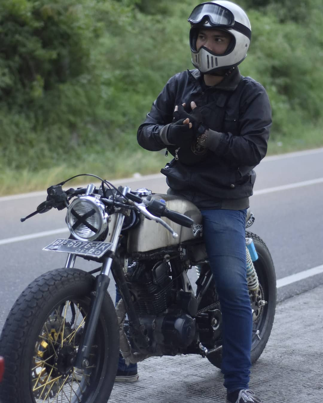 Riding Motor Custom Caferacer