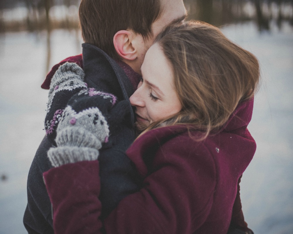 7 Wonderful Ways Hugging Benefits Your Wellbeing