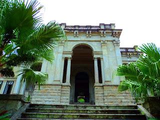 Entrada/Saída e Escadaria do Solar Henrique Lage, no Rio de Janeiro