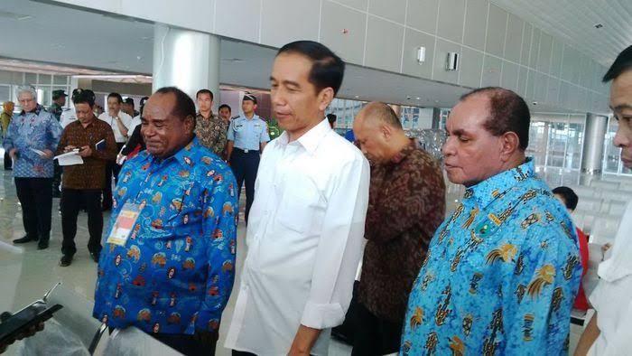 Presiden Republik Indonesia Jokowi Didampingi Ibu Negara Kunker di Sorong