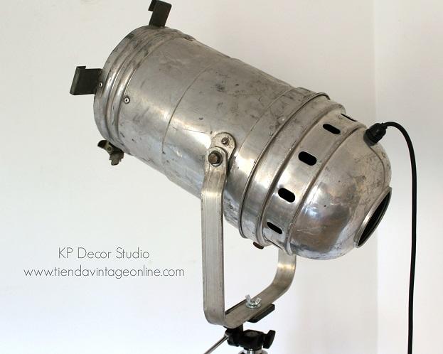 Comprar lámpara trípode antigua aluminio foco vintage de cine