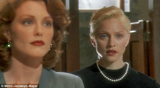 Julianne Moore Madonna Body of Evidence 1993 movieloversreviews.filminspector.com