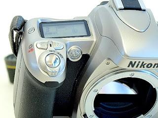 Nikon U2, Top control