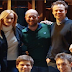 "J.K. Rowling visita o novo elenco de ""Cursed Child"""