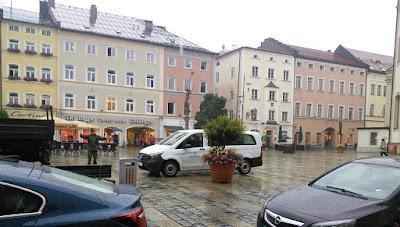 Bundeswehr auf dem Stadtplatz Traunstein