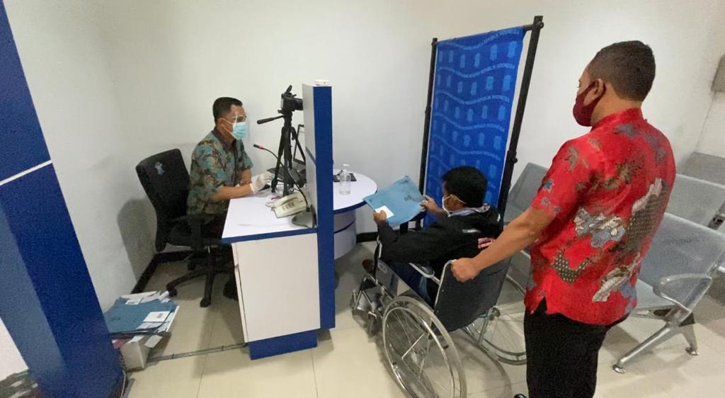 Pembuatan SIM D, Satlantas Polresta Banyumas Berikan Pelayanan Khusus Bagi Difabel