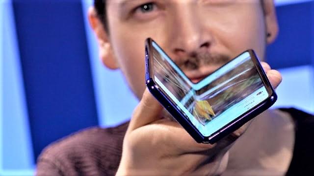 أخيرا سوف يتم طرح هاتف Samsung Galaxy Fold اليوم للبيع