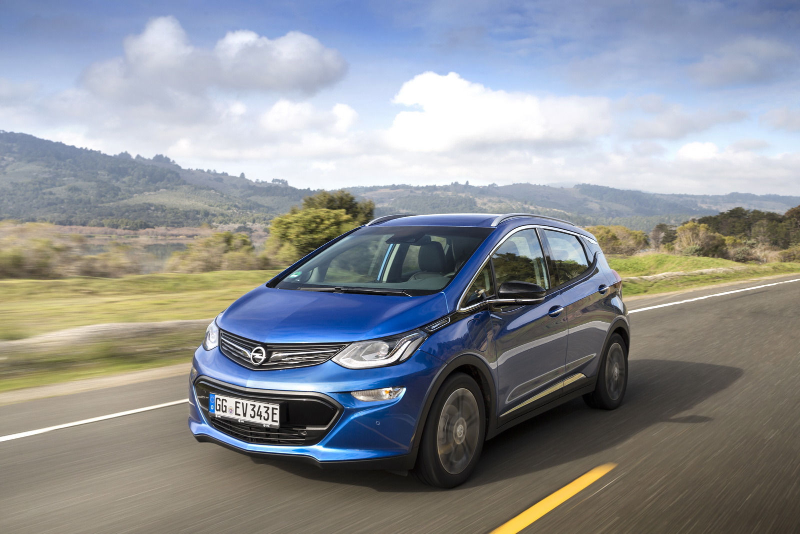 Opel Ampera e Detailed Ahead Of Launch, Gets Official