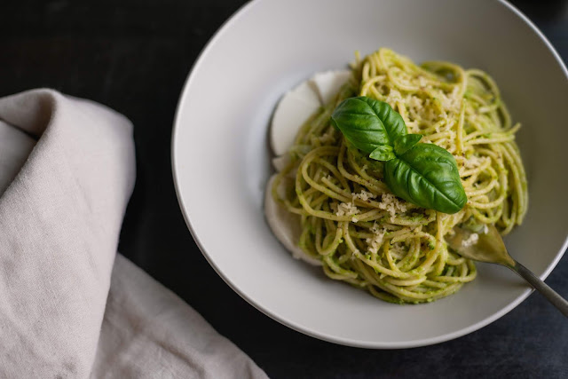 Pesto al basilico con spirulina