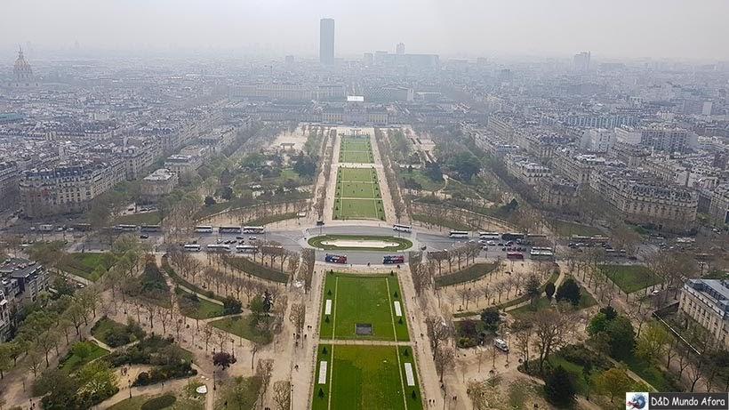 Praça Champs de Mars vista da Torre Eiffel - Diário de Bordo - 3 dias em Paris