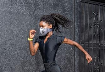 Os efeitos de fazer esporte usando máscara
